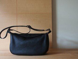 flap shoulder bag small nero - フラップショルダーバッグ小(ネロ)の画像