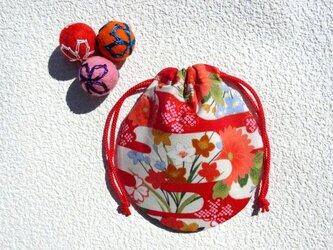 ミニ巾着  和柄金彩花模様 赤霞 御守り 小物収納 プレゼントにも の画像