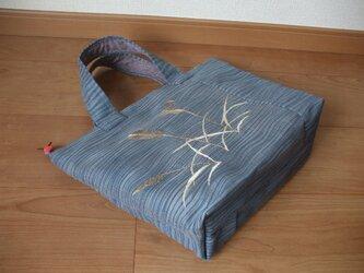 硬め夏帯の麦が粋なトートバック 口ファスナー 絹の画像