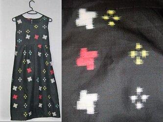 Sold Out着物リメイク♪十字絣模様が可愛い銘仙チュニックワンピース♪ハンドメイド・黒・正絹・絣模様の画像
