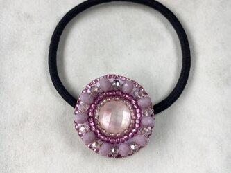 【再販】天然石とビーズ刺繍のヘアゴム ピンクシェルクリスタルの画像