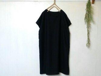 黒 の シンプル ワンピース 再販8 ~ チュニックの画像
