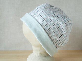 【値下げ】ニットのリバーシブル帽子*オフ白地にブルー系チェック×アイスグリーンの画像