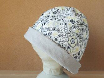 【値下げ】ガーゼのリバーシブル帽子*ポップレトロフラワー(ブラック×イエローグリーン)×スーパーライトグレーの画像