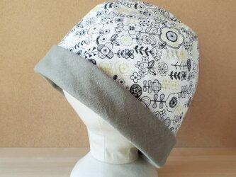 【値下げ】ガーゼのリバーシブル帽子*ポップレトロフラワー(ブラック×イエローグリーン)×カーキグレーの画像