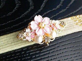 桜の帯留め *つまみ細工*の画像