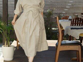 【wafu】中厚リネン カシュクール 羽織 ワンピース ドルマン袖 ドレス タック / 亜麻ナチュラル a005d-amn2の画像