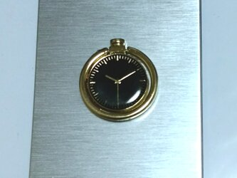 スタイリッシュ時計柄リング付きシルバースマホケースの画像