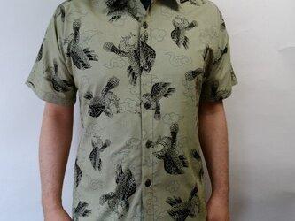 半袖和柄シャツ(雲と鷹)の画像