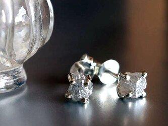 ダイヤモンド原石SVピアスの画像