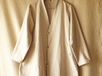 生成り麻混綿のコートの画像