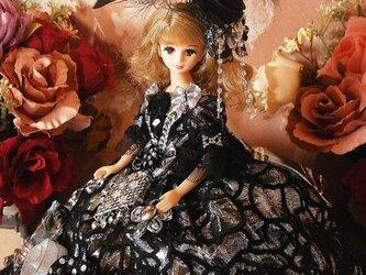 黒麗の王妃 煌きのブラックローズ フリルドールドレス ドール服 着せ替えの画像