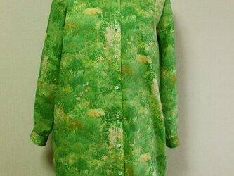 絵画風草原柄プリント シャツワンピース 着丈90cm グリーン色 M~Lサイズ 受注生産の画像