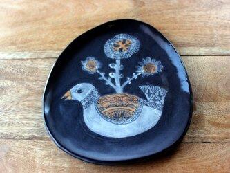卵型の鳥のお皿の画像