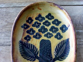 アジサイの楕円のお皿の画像