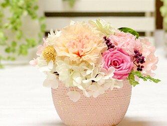華小町~ピーチカラーのカーネーションとローズ カーネーション プリザーブドフラワー 花の画像