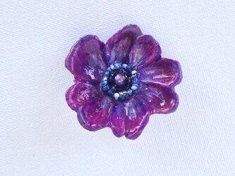 アネモネのブローチ(木彫り 紫)の画像