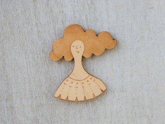 風・メイプルのブローチの画像