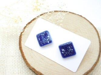 レトロ陶器ピアス★ snow blueの画像