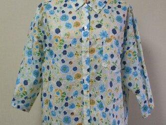 【セール品】レース風プリント×花柄 台衿付きショールカラー オーバーサイズのブラウス L~LLサイズの画像
