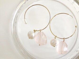 rose quartz*桜ピアスの画像