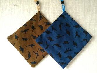 片紐コップ袋2枚『恐竜シルエット』の画像