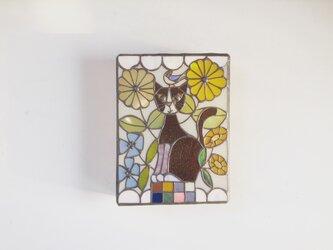猫と鳥と花の壁掛けランプの画像