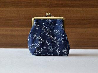 藍染×型染がま口(七花)ショルダー用紐付きの画像