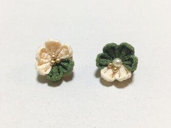 お花のイヤリング/ピアス【5月】の画像