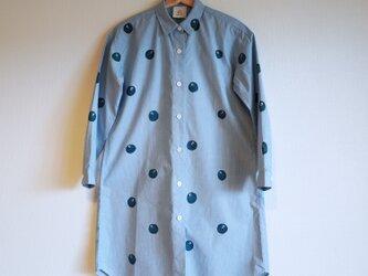 ロングシャツ ギンガムチェック・水色・ドット椿の画像