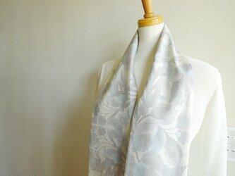 クールな大島紬のスカーフ(リバーシブル)の画像