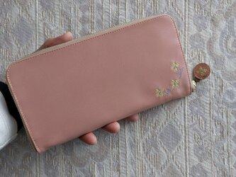 刺繍革財布『hana*hana』コーラルピンク×黄色(ヤギ革)ラウンドファスナー型の画像