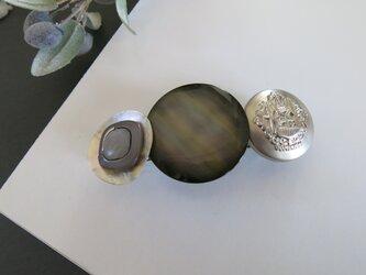 母の日ギフトにも☆グレー~シルバー系 キレイめ ボタンバレッタ レトロボタン アンティークの画像