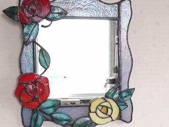"""ステンドグラス""""バラの花の壁掛け鏡""""の画像"""