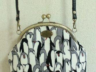 ペンギン柄のがま口ポシェットの画像