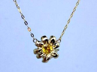 K10  小花とイエローサファイアの ネックレスの画像
