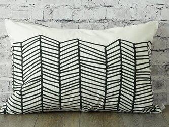 枕カバー 寝具 63×43cm ブラック ホワイト ウェーブ 北欧デザイン jubileemkrlmp005の画像