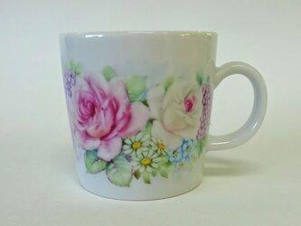 花のマグカップC(手描き)の画像