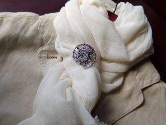 染め糸観覧車ブローチ 綿糸 思い出の写真色の画像
