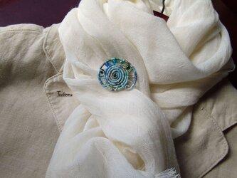 染め糸観覧車ブローチ 綿糸 初夏の風色の画像