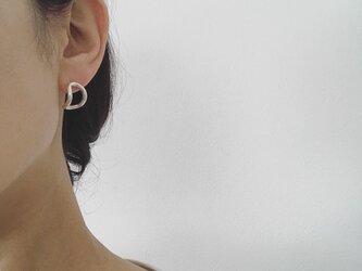 送料無料SV950 耳に寄り添うしっかりカーブピアスの画像