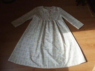 白紬からワンピース 絹の画像