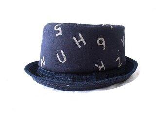 ポップな帽子の画像
