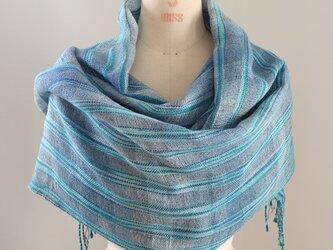 手織り ブルー段染め絹麻糸の広巾ショールの画像