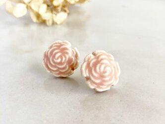 Rose/L size コーラルピンク : 陶器 : ピアス/イヤリングの画像