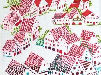 型染めてぬぐい「城塞の街 ‐赤い屋根と鳥-」(綿100%・手染め捺染)の画像