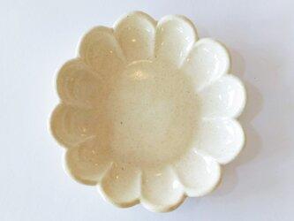 花形の取り皿(クリーム色)の画像