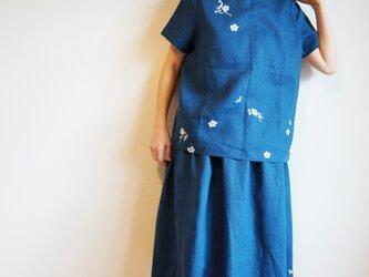 リネン・半袖ブラウス ブルー<白梅>の画像