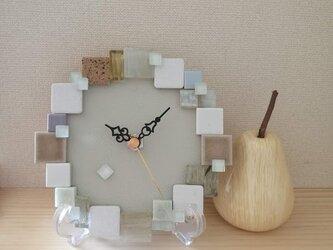 """タイルの置き時計・壁掛け時計 """"Cotton"""" 1004 ガラス・石・モザイク インテリアウォールクロックの画像"""