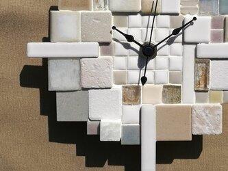 """タイルの掛け時計 """"Asamoya"""" 1002 ガラス・石・モザイク インテリアウォールクロックの画像"""